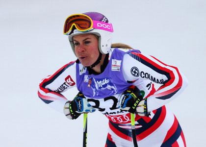 Chemmy-alcott-skiing