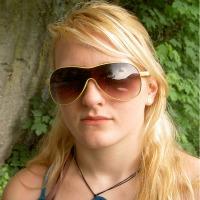 Leah Crane - head & shoulders