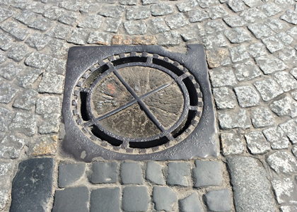 Manhole-cover-used-to-escap