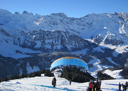 Paragliding-from-Brunni