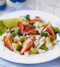 berryworld-strawberry,-crab-and-avocado-salad