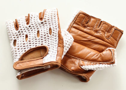 crochet-cycling-gloves-clas