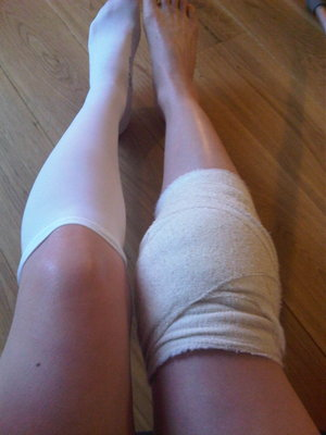 Attractive football knee & surgical sock